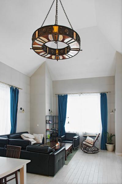 Фото №6 - Дом звезды «Гадалки»: этаж для питомцев и магическая люстра