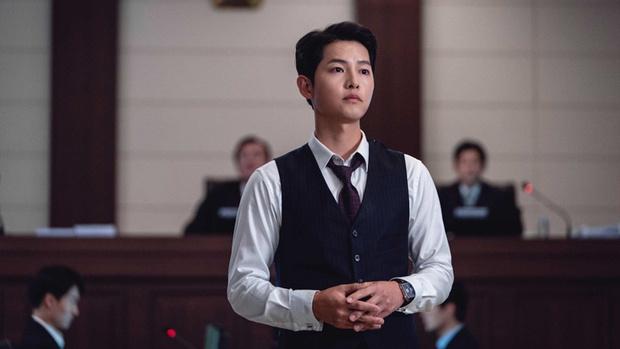 Фото №4 - 5 причин влюбиться: почему роль Сон Джун Ки в дораме «Винченцо» может стать лучшей в его карьере 🤩