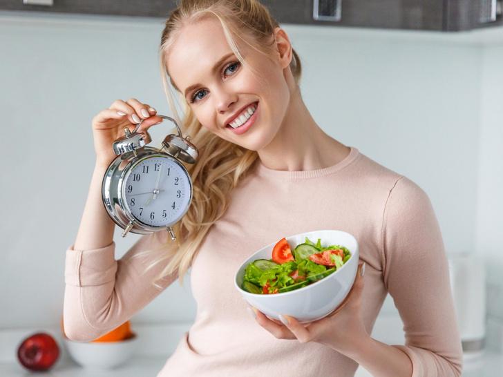 Фото №1 - Полный гид по интервальному голоданию: как 16 часов без еды помогут вам быстро сбросить вес