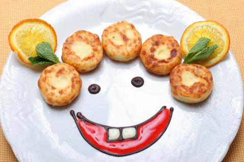 Фото №2 - Сырники с манкой: рецепты на каждый день