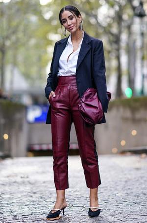 Фото №9 - С чем носить белую рубашку: стильные идеи на любой случай