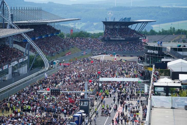 Фото №1 - Самый «Зеленый ад» в мире: как русские гонщики победили в гонке «24 часа Нюрбургринга»