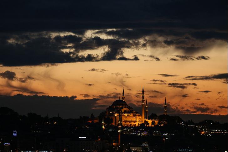 Фото №1 - Вечер в Стамбуле