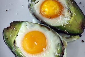 Фото №27 - 7 необычных и простых рецептов яичницы к завтраку