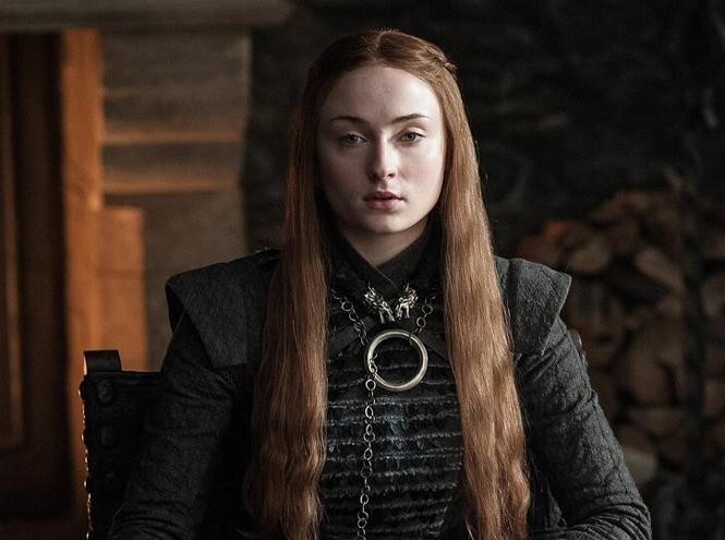 Фото №7 - Три знаковых женских украшения из сериала «Игра престолов»