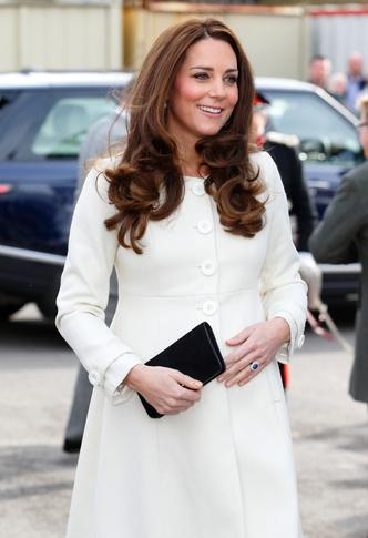 Фото №32 - Стильное положение: как одеваются беременные королевы, принцессы и герцогини