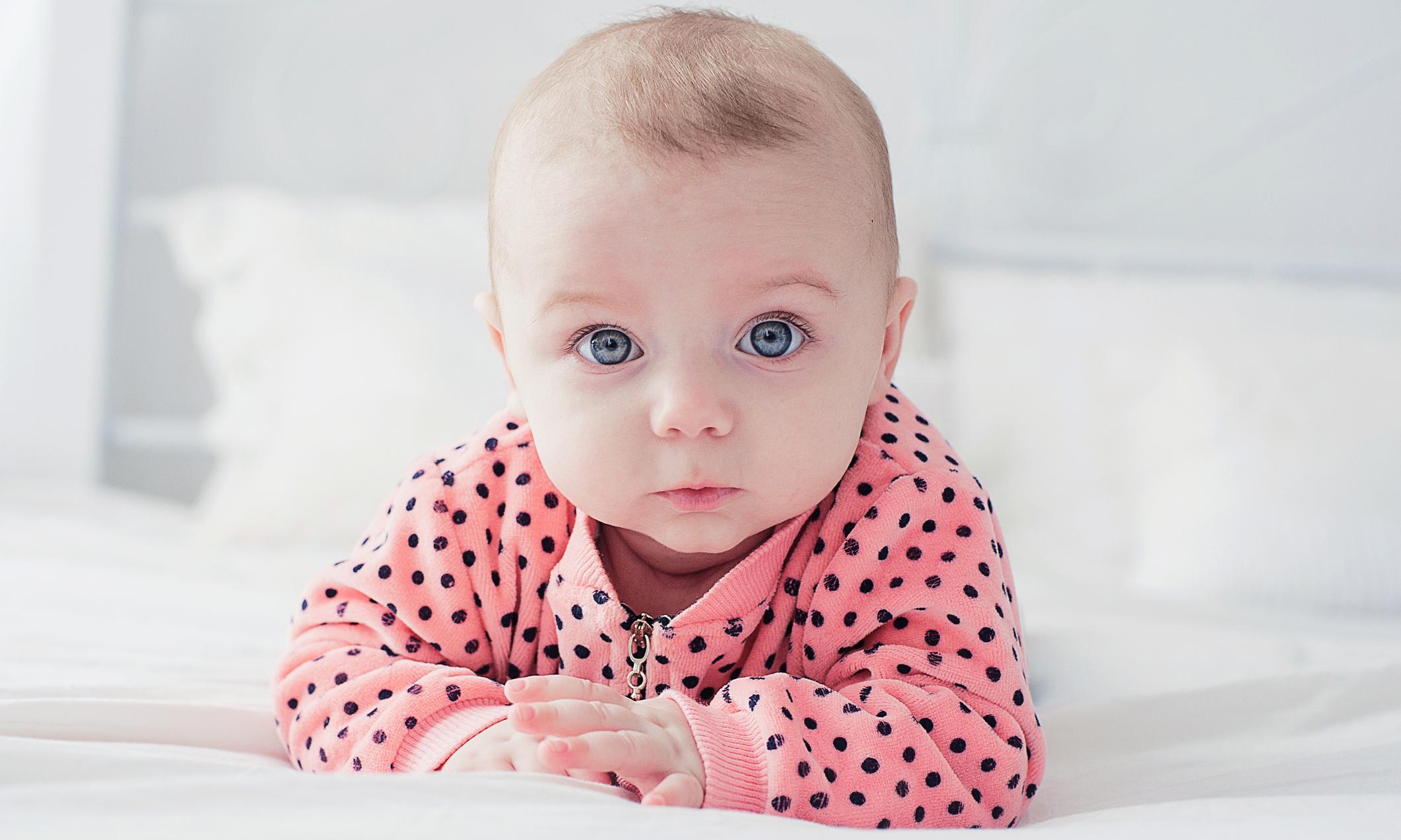 Как определить, какого цвета будут глаза у ребенка