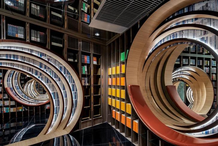 Фото №8 - Футуристичный книжный в Пекине по проекту X+Living