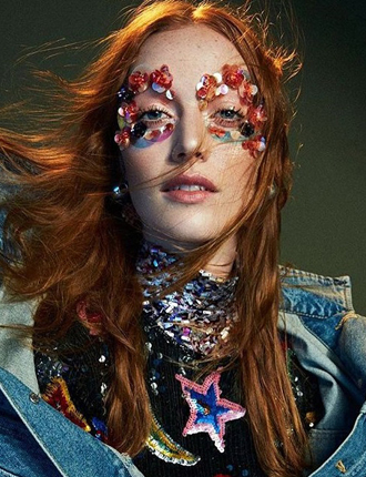 Фото №4 - Стразы и наклейки на лице: новый beauty-тренд