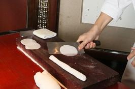 Фото №9 - Пельмень из Гонконга: пошаговый рецепт дим самов от мишленовского повара