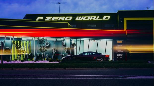 Фото №1 - Флагманский магазин Pirelli P Zero World открылся в Мельбурне