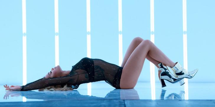 Фото №3 - Tezenis представил новую коллекцию Selected by Rita Ora