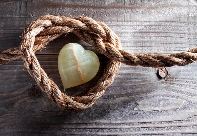 Веревка и камень