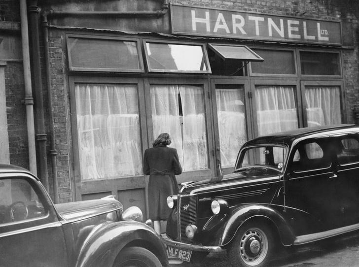 Фото №2 - Дизайнер Елизаветы II: как Норман Хартнелл установил правила королевского стиля