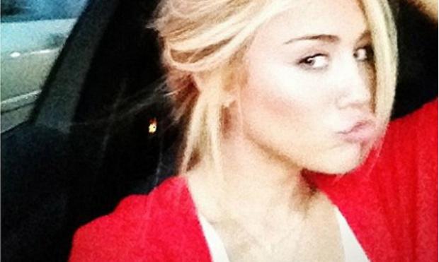 Фото №1 - Майли Сайрус теперь блондинка