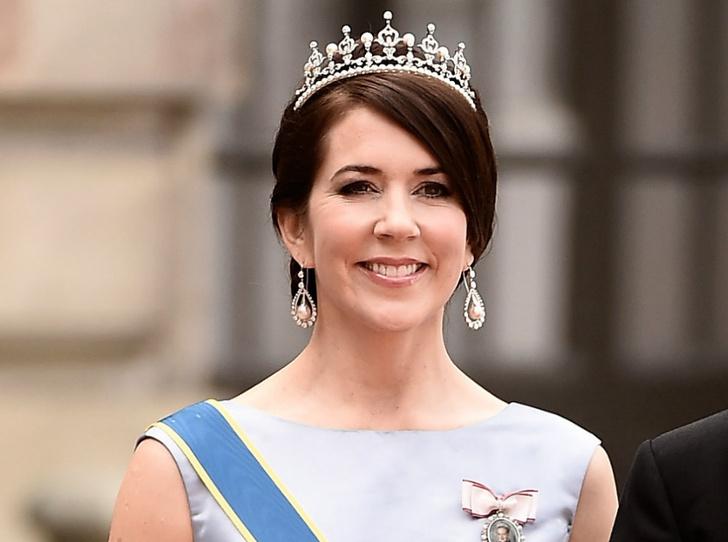 Фото №1 - В ожидании трона: как «датская Кейт Миддлтон» готовится стать королевой
