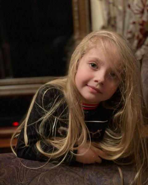 Фото №1 - 7-летняя дочь Пугачевой спародировала Бузову: видео