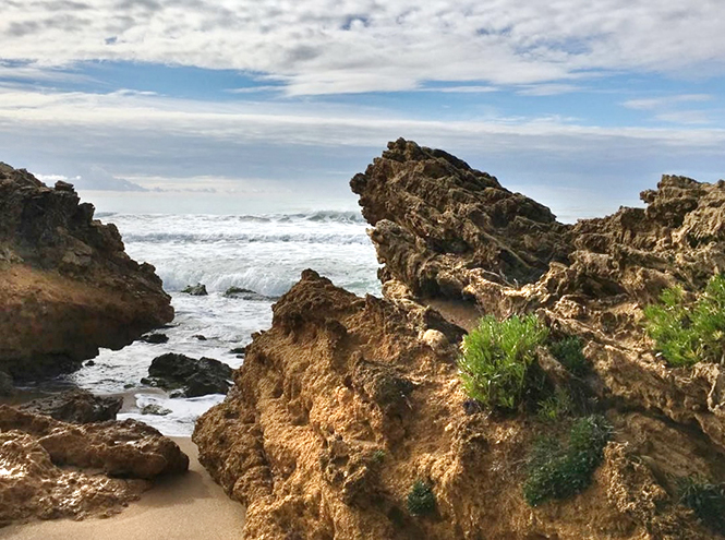 Фото №5 - Почти необитаем: 7 пляжей для любителей уединенного отдыха