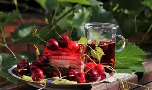 Фото №1 - Роскачество обнаружило в вишневых соках и нектарах запрещенные красители и ароматизаторы