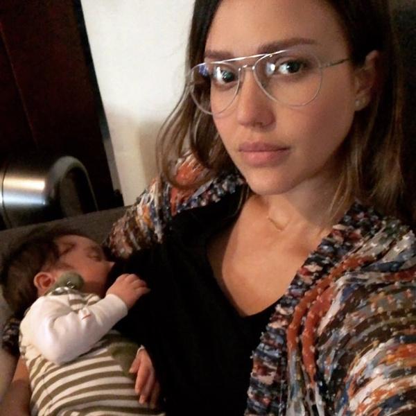 Фото №1 - Уже не та: Джессика Альба подурнела после родов