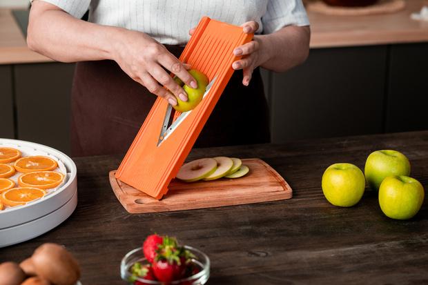 Фото №1 - 5 кухонных гаджетов, которые помогут похудеть