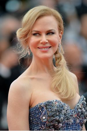 Фото №3 - Леди совершенство: зачем женщины увеличивают грудь и уменьшают нос