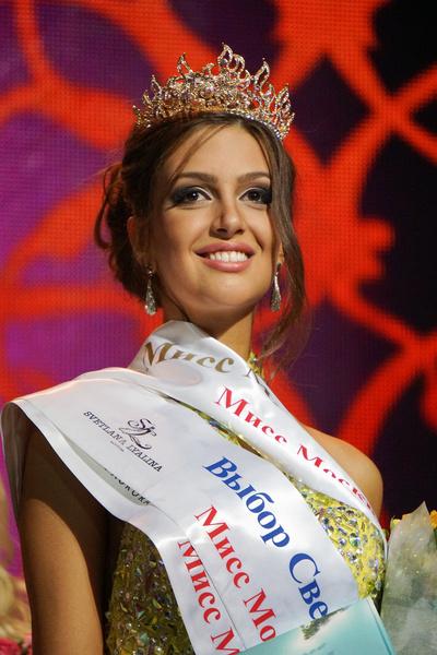 Фото №2 - Монархи, политики, артисты: с кем королевы красоты связывают свою судьбу