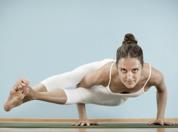 Фото №3 - Что такое горячая йога: плюсы и минусы занятий