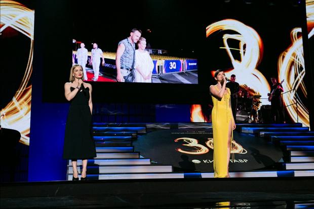 Фото №1 - Закрытие «Кинотавра-2019»: Кожевникова, Андреева и другие звезды прошлись по красной дорожке юбилейного фестиваля