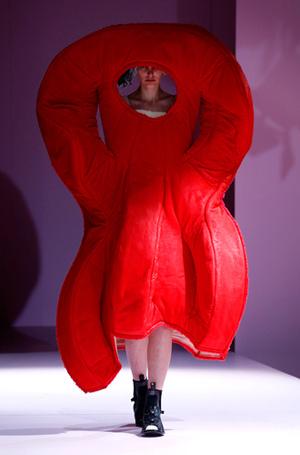 Фото №8 - Королева сюра: Рей Кавакубо как главная причина следить за MET Gala 2017