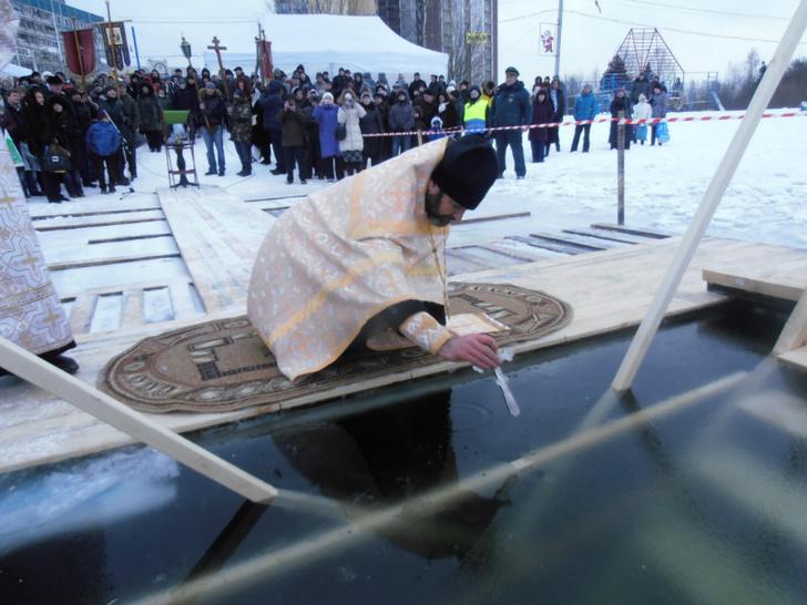 Фото №2 - Для тела и души: где окунуться на Крещение в Петербурге