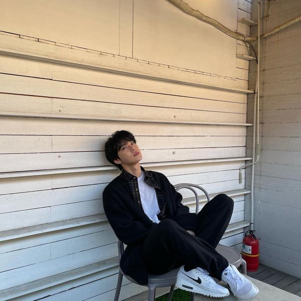 Фото №3 - Доён из NCT рассказал о своем трудном пути к карьере певца 🐰