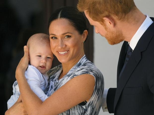 Фото №3 - Герцогиня Коварство: почему Меган решила провести лето с Королевой (на самом деле)