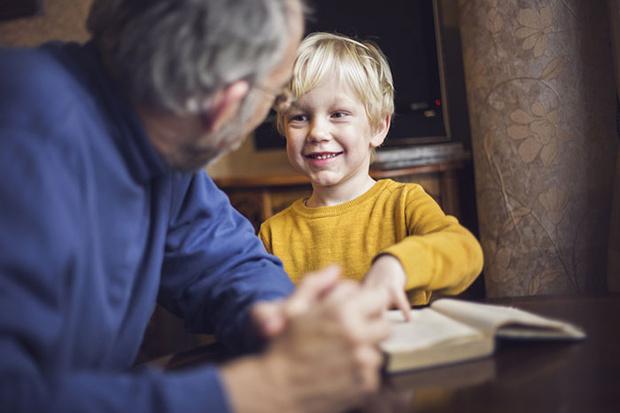 Фото №5 - Зачем современным детям дедушка