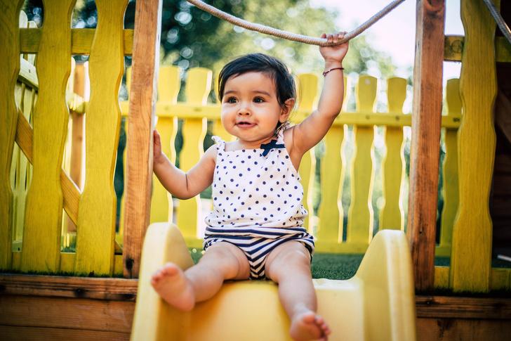 Фото №2 - Почему малышу обязательно нужно играть в песочнице: мнение психолога