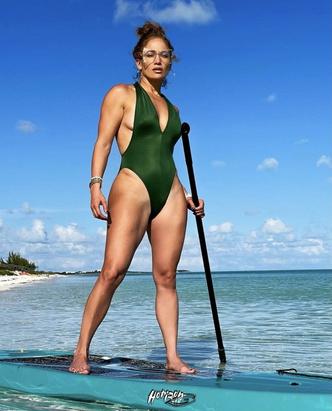 Фото №1 - Тело на миллион: эффективная тренировка от Дженнифер Лопес, которую вы можете повторить дома