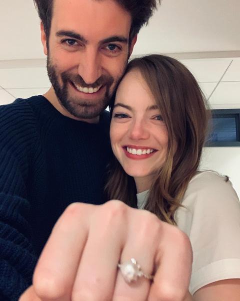 Фото №1 - СМИ: Эмма Стоун еще весной тайно вышла замуж за режиссера Дэйва Маккэри