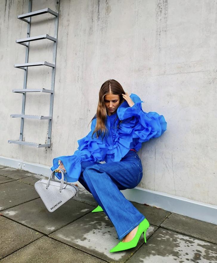 Фото №2 - С чем носить блузку H&M цвета электрик: показывает блогер из Норвегии