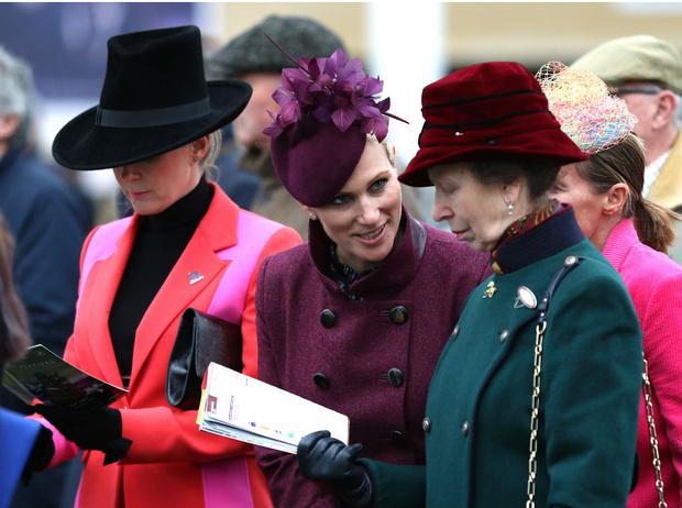 Фото №2 - Корона против свободы: вся правда об отношениях принцессы Анны и Зары Тиндолл