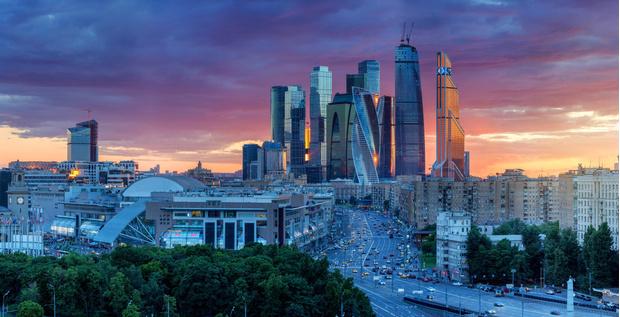 Фото №1 - Когда банан— не банан: 15 значений слов, которые не используют и не поймут в Москве