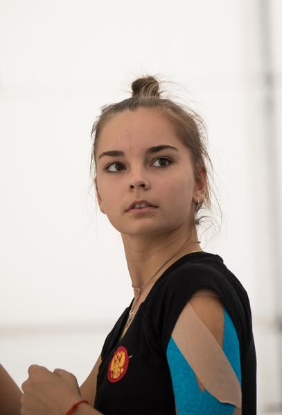Фото №7 - Хотели уйти из спорта в 13 лет: как Винер спасла карьеру звезд гимнастики сестер Авериных