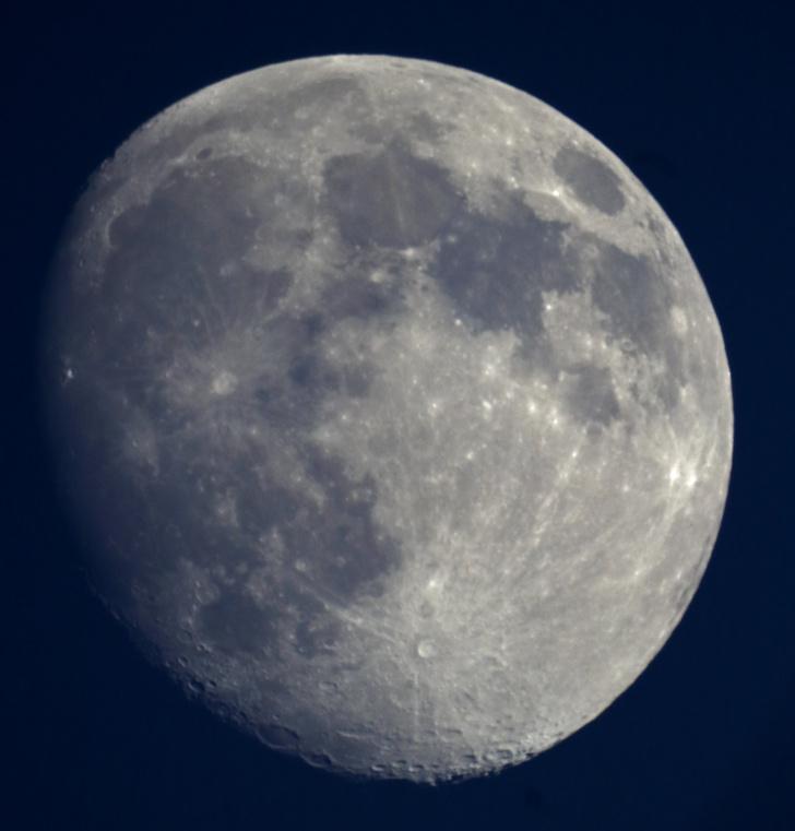 Фото №2 - Как выглядит Луна через обычный московский телескоп (видео)