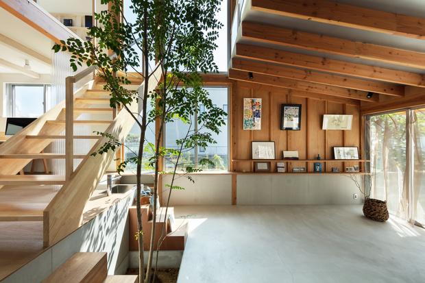 Фото №1 - Современный дом с атриумом в Японии
