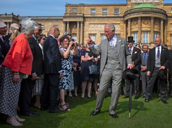 Фото №3 - Королева доверила принцу Чарльзу новую роль