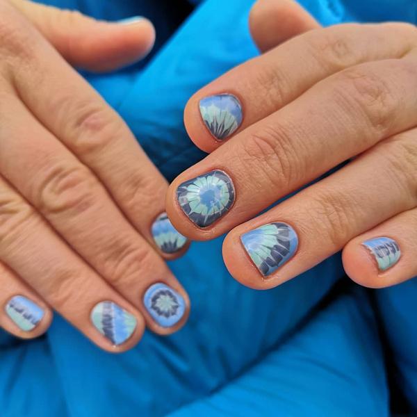 Фото №9 - Маникюр для коротких ногтей: 15 модных идей