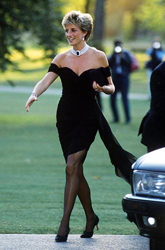 Фото №9 - Модная провокация: самые откровенные наряды принцессы Дианы