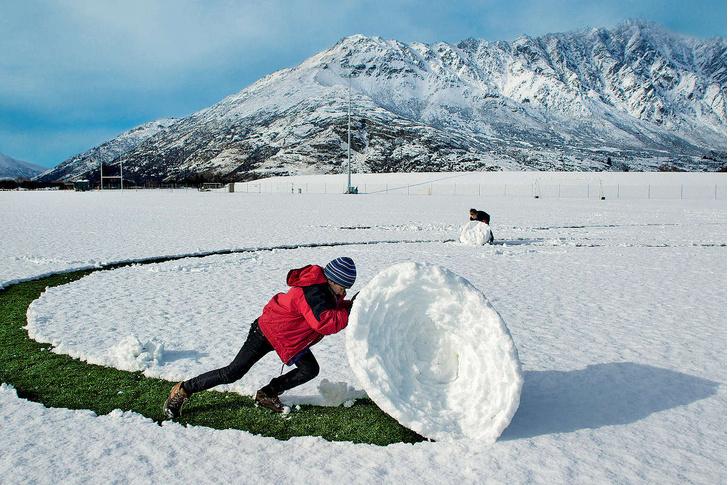 Фото №1 - Июльские снеговики
