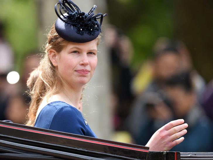 Фото №1 - Любимая внучка Ее Величества: 5 любопытных фактов о леди Луизе Виндзор