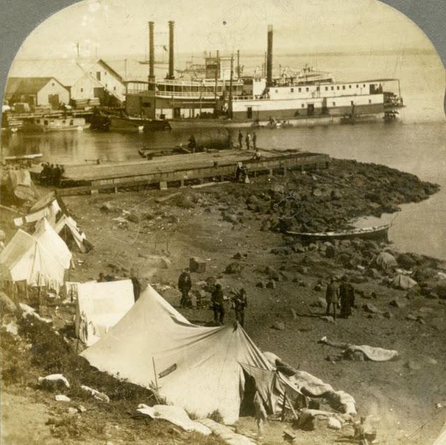 Судно в порту Сент-Майклс, Аляска
