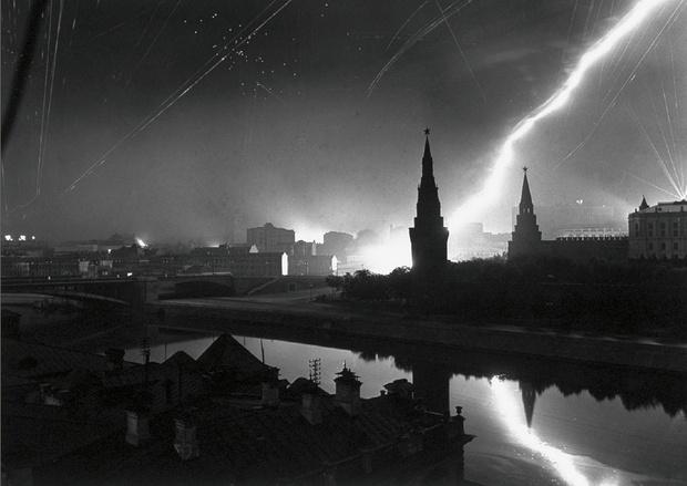 Фото №6 - Этот День Победы: как советский народ жил, любил и ждал все 1418 дней войны